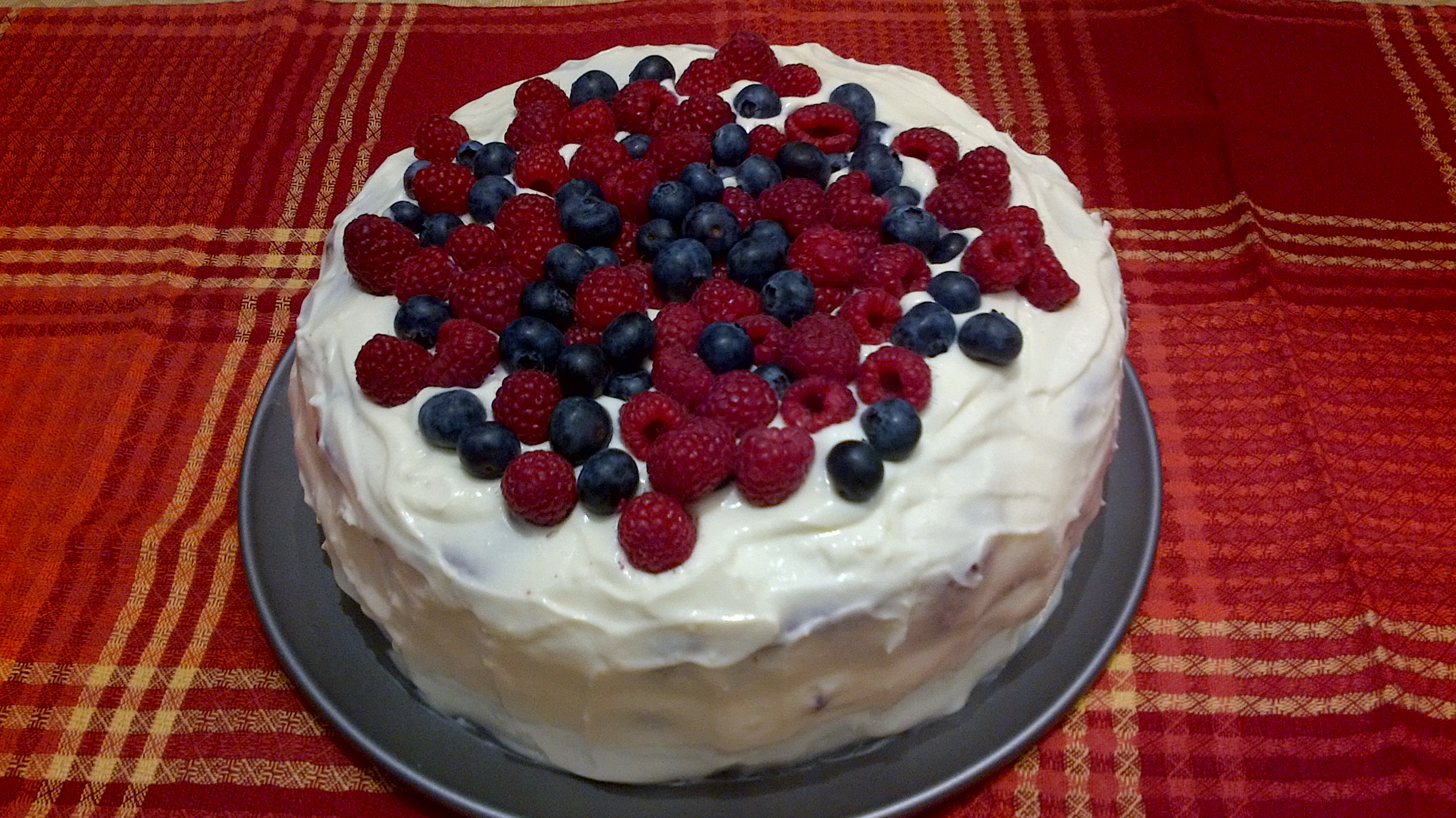... food views red velvet cake with raspberries and blueberries 108256