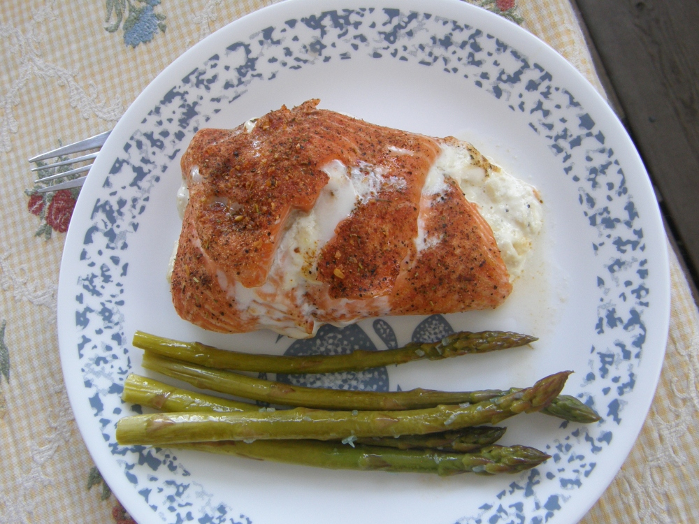 Rainbow trout with artichoke and asiago dip (6/6)