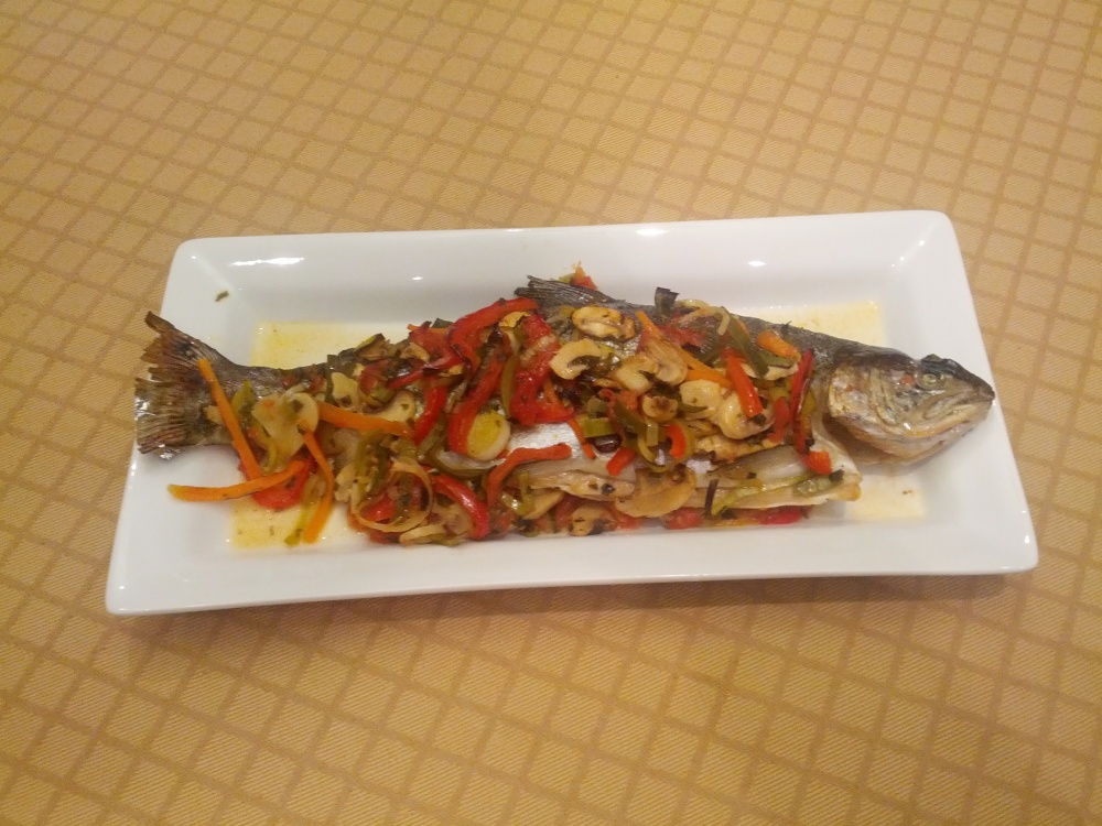 Baked rainbow trout with vegetables (3/3)