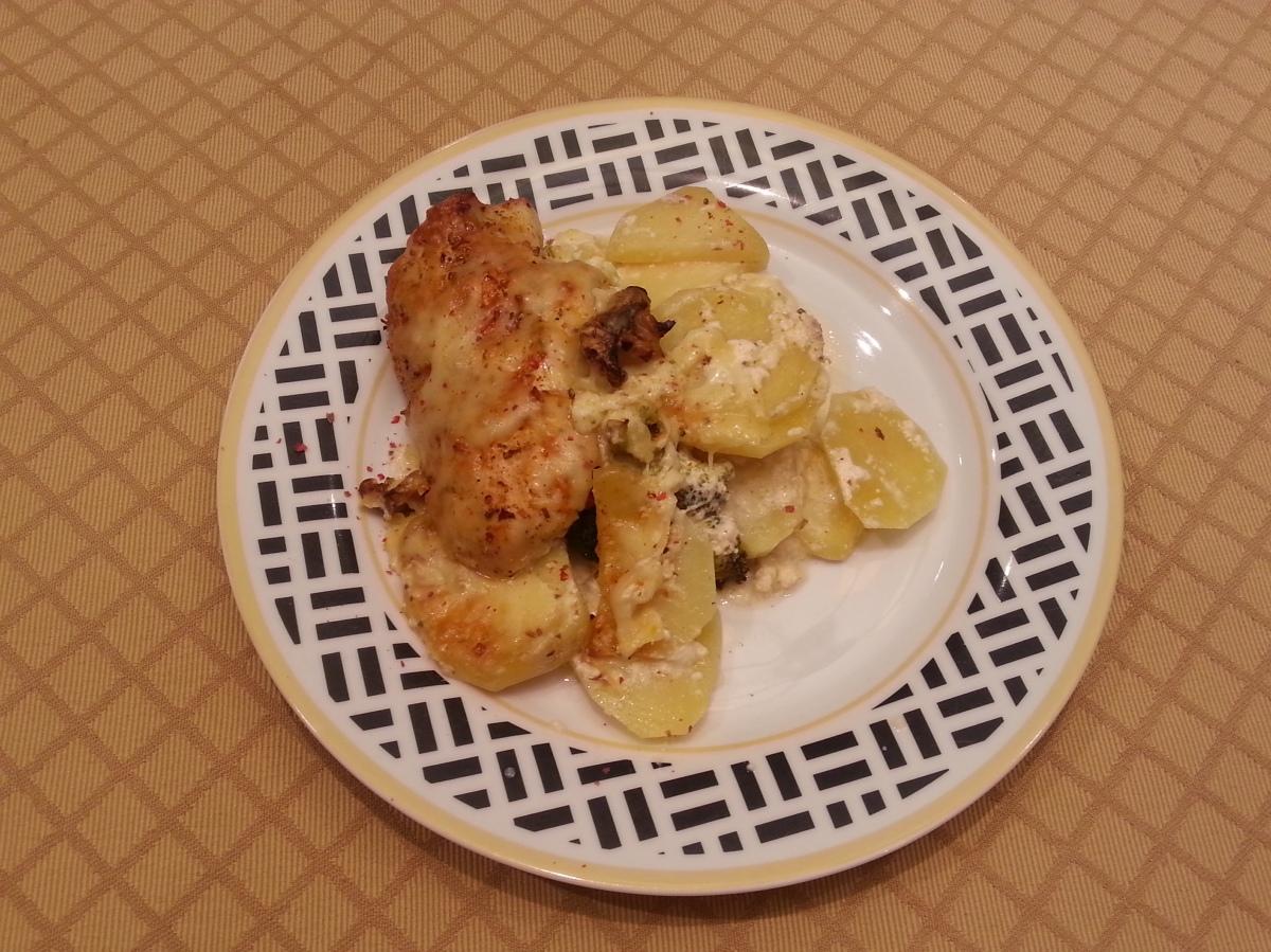 Chicken, broccoli and potato divan-1