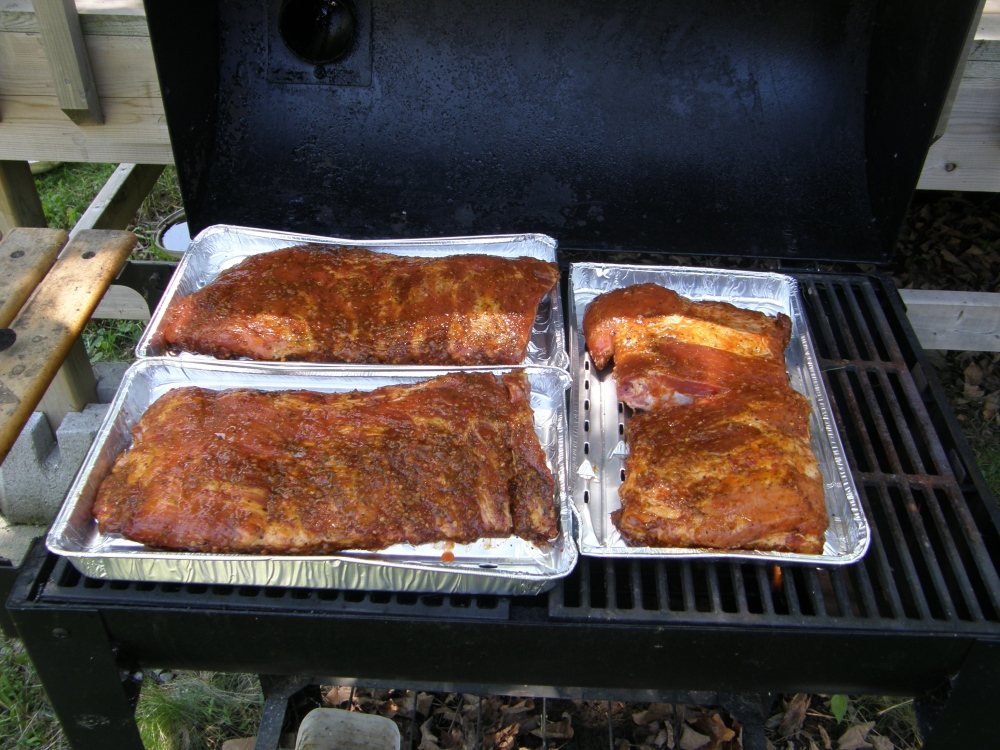 Smoked St. Louis style ribs with Good Ole Southern Rub (1/5)