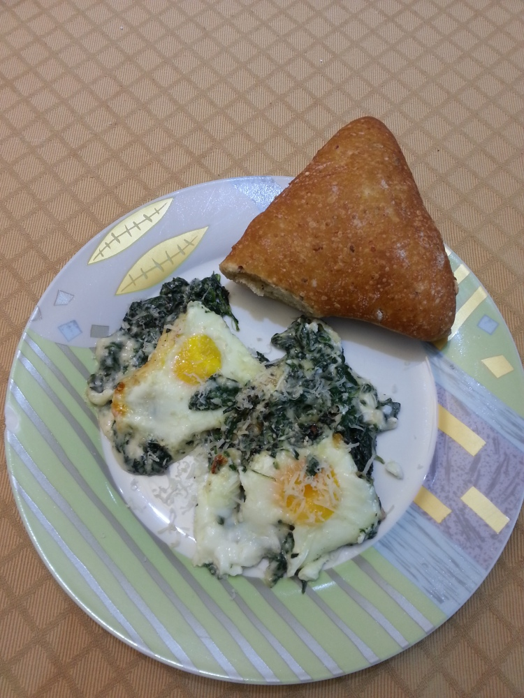Baked eggs with spinach and gruyere-1
